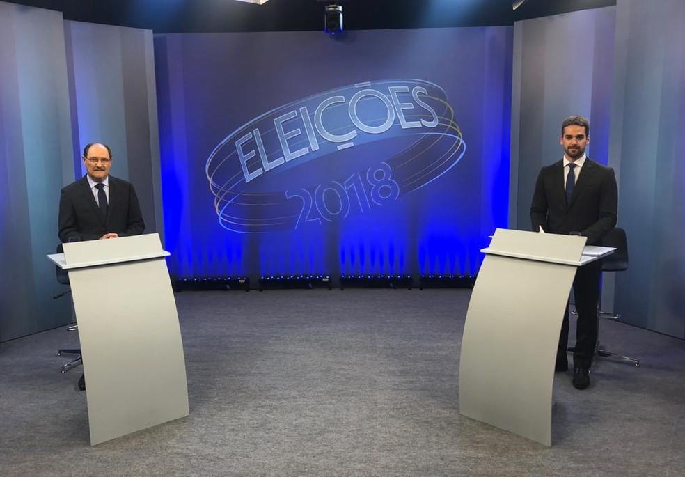 ... Eduardo Leite e José Ivo Sartori posicionados para o debate do segundo  turno do governo do 6d5e01dd87