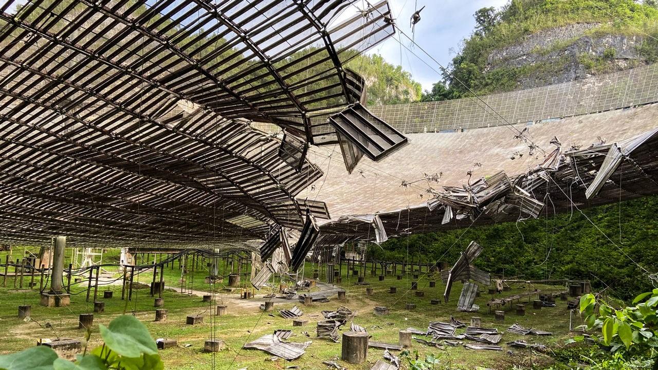 Arecibo: um dos maiores telescópios do mundo sofre danos após cabos quebrarem (Foto: OBSERVATÓRIO DE ARECIBO)