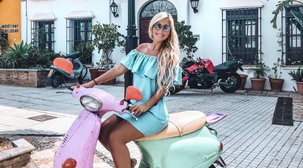 De moto, Mareen curte mais uma viagem (Foto: Reprodução)