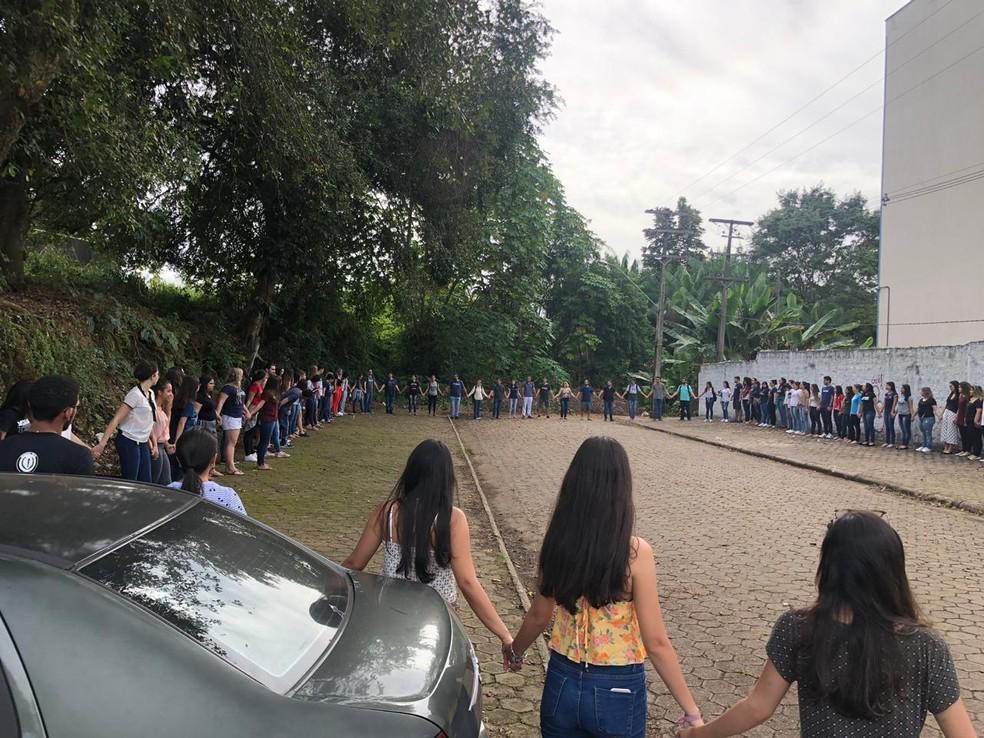 Alunos se reuniram às 9h desta quinta-feira (7), em Porto Velho  — Foto: Reprodução/ Redes Sociais