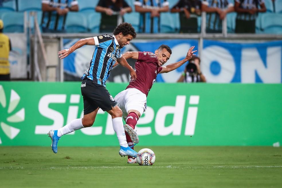 Victor Ferraz também foi um dos estreantes da noite — Foto: Lucas Uebel / Grêmio FBPA