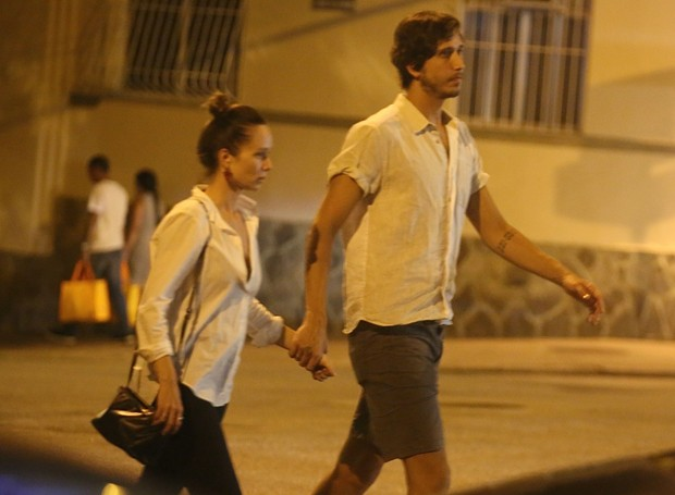 Mariana Ximenes e o namorado, Felipe Fernandes (Foto: Thiago Martins)