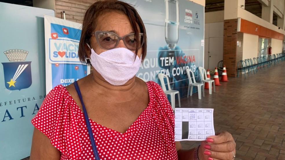 Maria José foi a três pontos de vacinação na capital potiguar e não conseguiu tomar a segunda dose de Coronavac — Foto: Anna Alyne Cunha/Inter TV Cabugi