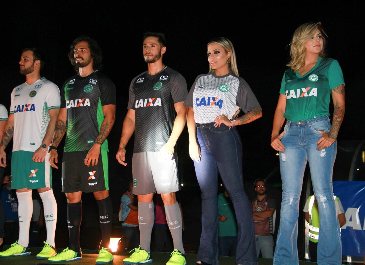 84ad28c0ff Goiás lança novos uniformes antes da partida contra o São Bento  fotos