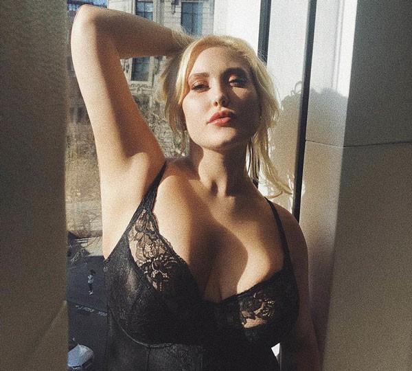 A modelo Hayley Hasselhoff  (Foto: Reprodução/Instagram)