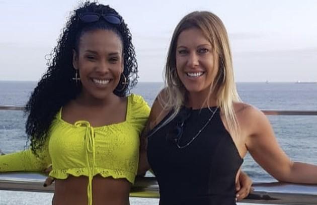 """A argentina Antonela (à direita) virou amiga de Solange durante sua passagem pelo """"BBB"""" 4. Ainda hoje, as duas costumam postar fotos juntas e trocar mensagens de carinho (Foto: Reprodução)"""