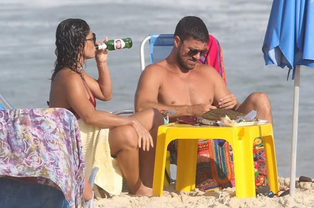 Juliana Paes com o marido (Foto: AgNews)