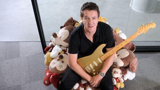 Andy Mooney, que já teve cargos de liderança na Nike e na Disney, é hoje presidente da Fender (Foto: BBC/FENDER)