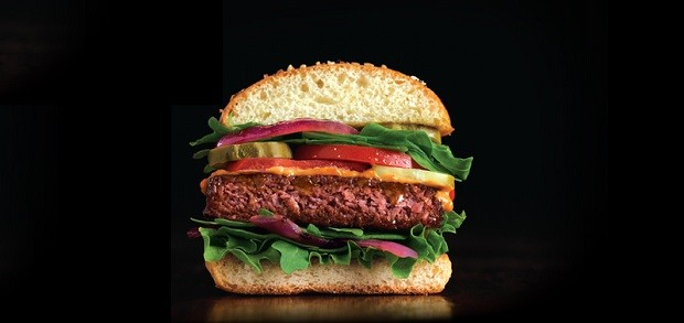 Awesome Burger, produto de base vegetal criado pela Awesome Burger, da Nestlé (Foto: Reprodução)