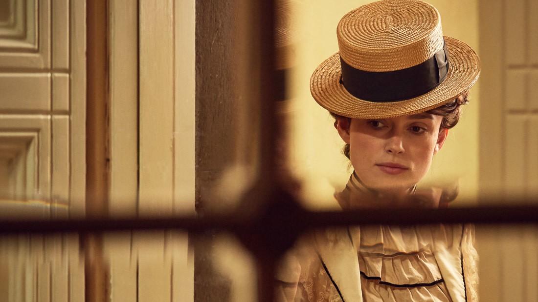 Keira Knightley em 'Colette' (2018) (Foto: Divulgação)