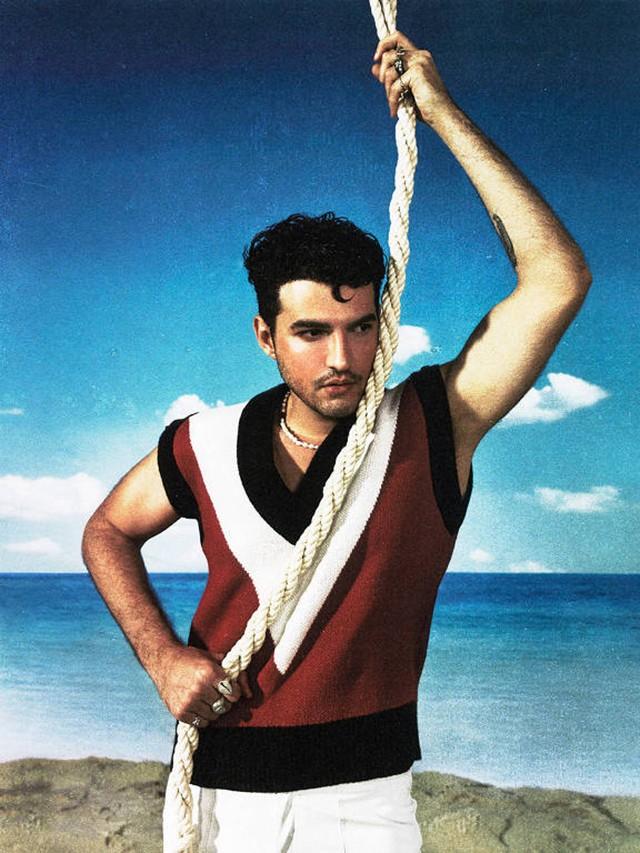 Jão lança angústias e dores ao mar no balanço do álbum 'Pirata'