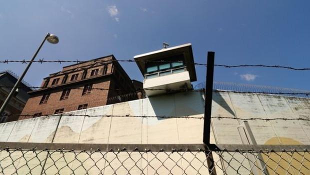 Sistema alemão prevê que vida dentro das cadeias precisa preparar detentos para a vida após o cumprimento da pena (Foto: GETTY IMAGES)