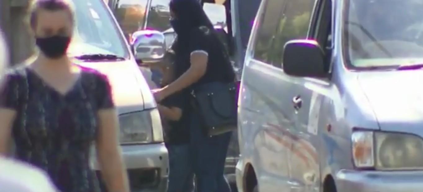 Transporte irregular de vans e táxis paraguaios oferece riscos aos passageiros na Ponte da Amizade