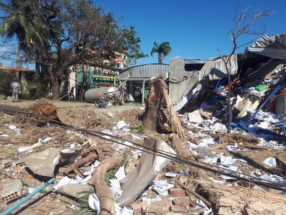 Fabrica atingida por explosão em Fortaleza — Foto: Natinho Rodrigues/SVM