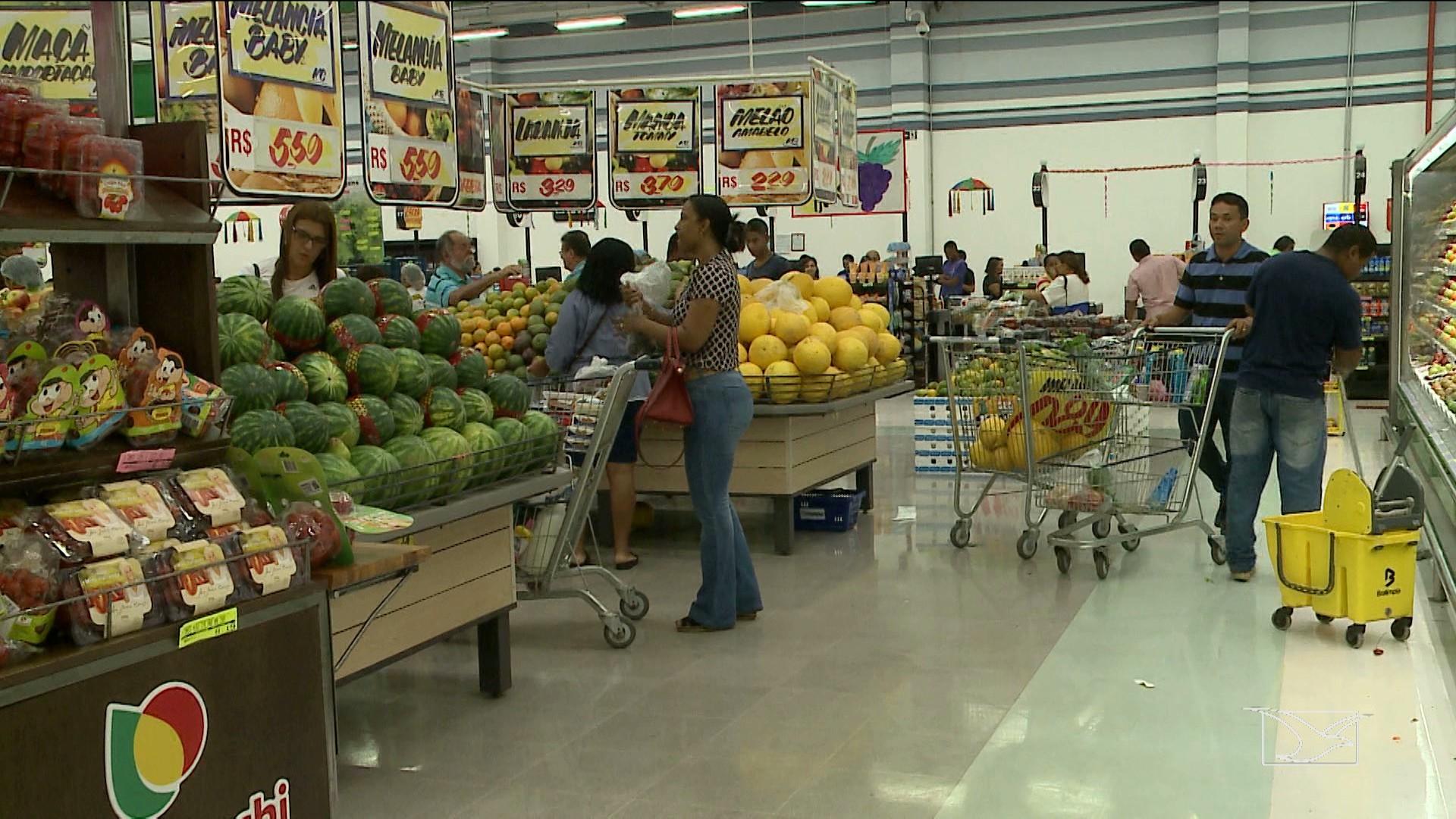 Valor da cesta básica de Aracaju ficou em R$ 344,92 no mês de agosto - Radio Evangelho Gospel