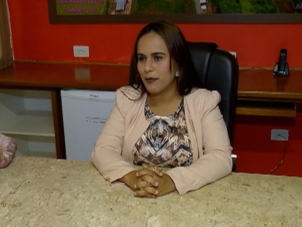 A prefeita de Sandovalina, Amanda Lima de Oliveira Fetter (DEM) (Foto: Reprodução/TV Fronteira)