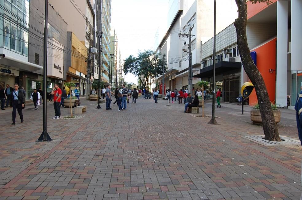 Serviços essenciais são mantidos no feriado de Finados em Londrina — Foto: Divulgação/Sindecolon