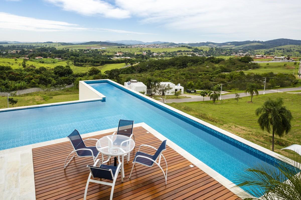 Investir em piscinas no inverno para aproveitar no verão? Veja dicas