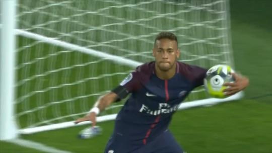 Apesar dos shows em campo, Neymar se incorpora ao PSG com calma