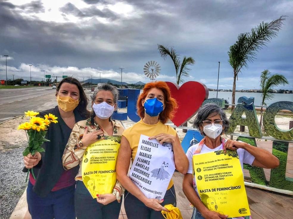 Ato simbólico contra o feminicídio também é realizado em São Pedro da Aldeia — Foto: Articulação de Mulheres da Aldeia