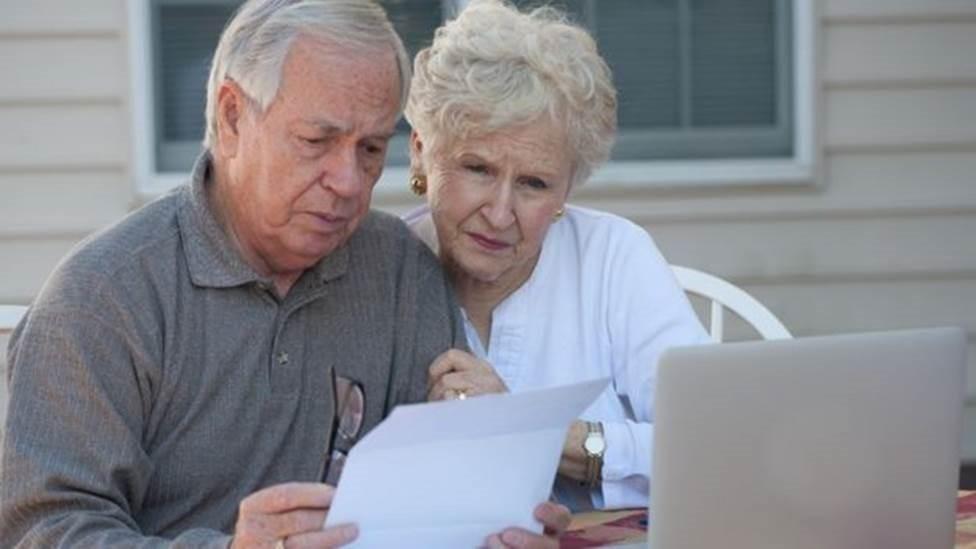 As dicas para prevenir 6 golpes que tiram dinheiro de idosos