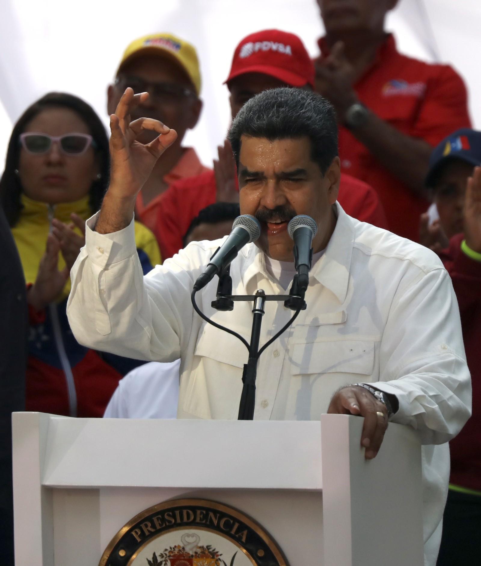 Nicolás Maduro participa de ato a favor de seu governo após apagão nacional — Foto: Manaure Quintero/Reuters