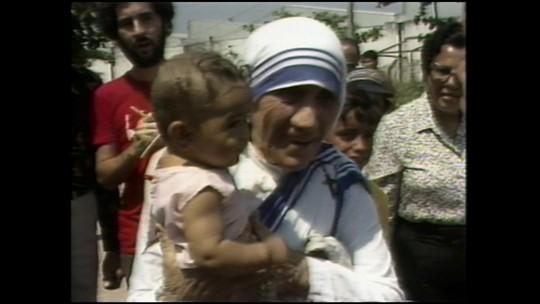 Favela alvo de ação das Forças Armadas teve convento inaugurado por Madre Teresa de Calcutá em 1982