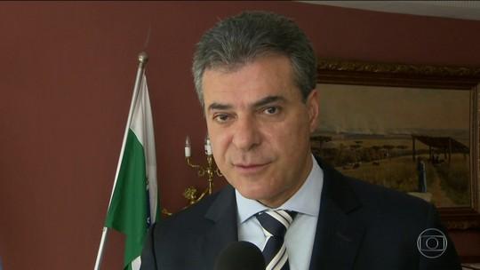 Ex-governador do Paraná Beto Richa (PSDB) deixa a prisão.
