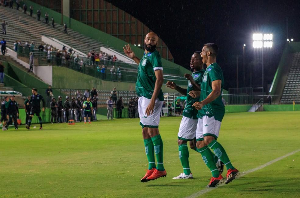 Com um jogo a menos, o Gama estava empatado na liderança do campeonato com o Brasiliense. Ambos já classificados — Foto: Júlio César Silva / Divulgação