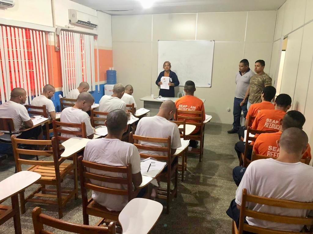 Curso de pedreiro é oferecido a internos do Ipat, no AM - Notícias - Plantão Diário