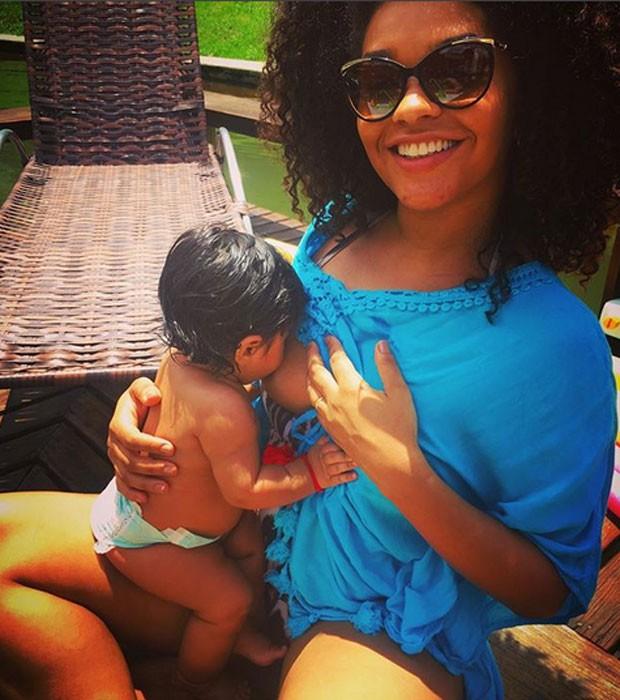Juliana Alves e Yolanda (Foto: Reprodução / Instagram)