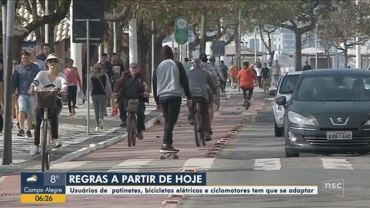 Regras para uso de patinetes e bicicletas elétricas em Balneário Camboriú valem a partir desta terça