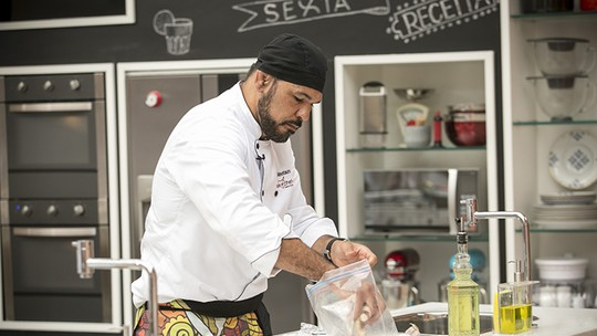 Minotauro rebate comentários maldosos sobre homens na cozinha: 'Nada a ver'