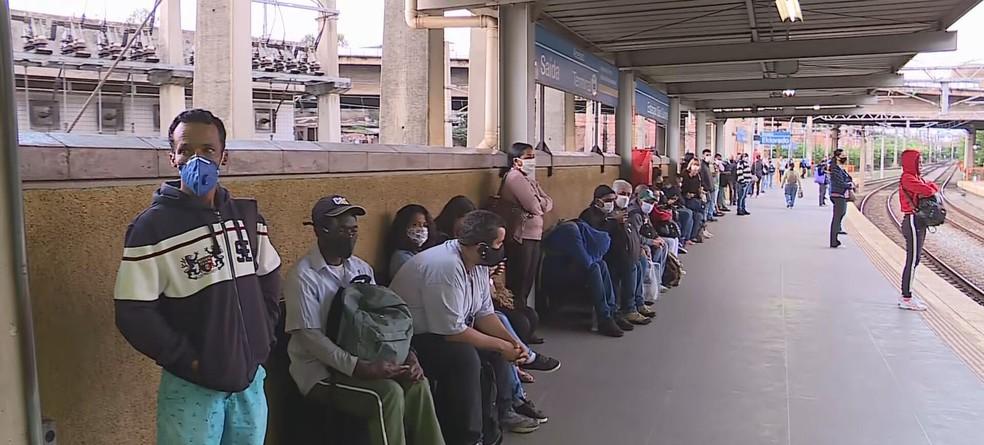 Estação São Gabriel cheia em uma manhã de segunda-feira — Foto: Reprodução / TV Globo