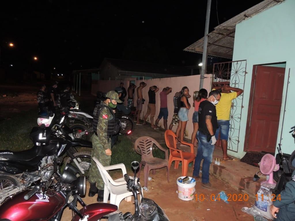 Órgãos de segurança interrompem festa  com mais de 60 pessoas na região do Eixo Forte