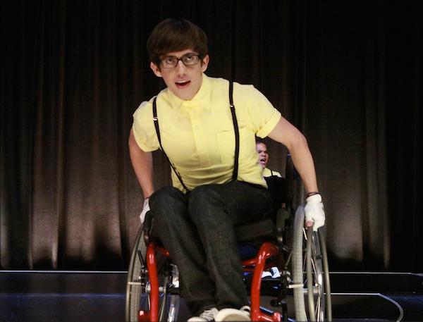 O ator Kevin McHale em cena da série Glee (Foto: Reprodução)