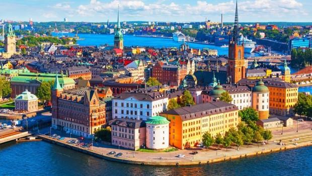 Estocolmo, capital da Suécia; país um dos países mais abertos da OCDE a imigrantes com alta escolaridade ou empreendedores (Foto: Getty Images via BBC News Brasil)