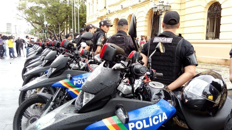 Das 83 viaturas, 25 são motos encaminhadas à Ronda Ostensiva com o Apoio de Motocicletas (Rocam) (Foto: Marina Meireles/G1)