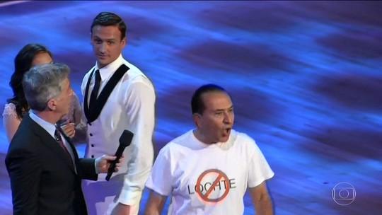 Nadador americano Ryan Lochte é hostilizado em programa de TV