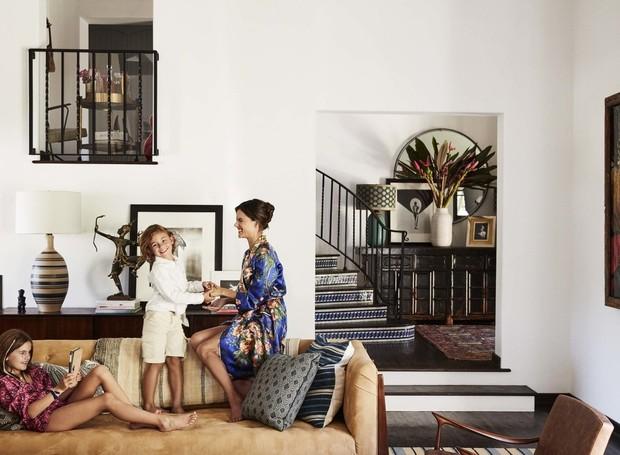 Alessandra conta que não queria que a casa tivesse uma decoração muito série por conta das crianças (Foto: Douglas Friedman/ Reprodução)
