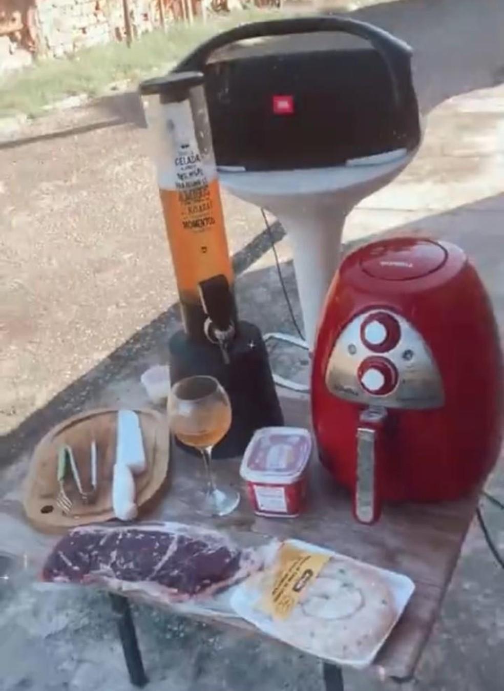 Produtos roubados foram recuperados e devolvidos para proprietária — Foto: Divulgação/Polícia Civil