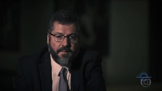 Historiadores criticam Ernesto Araújo por dizer que fascismo e nazismo eram de esquerda