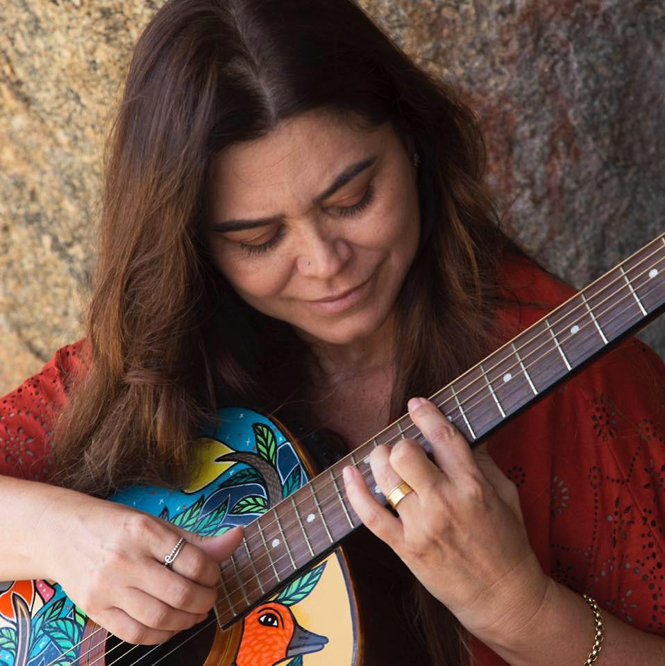 Veja a agenda de lives de artistas da Paraíba nesta sexta-feira, 29 de maio