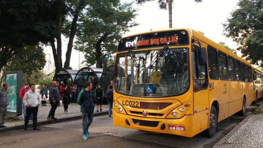 Seis linhas do transporte público de Curitiba têm tarifa reduzida fora dos horários de pico; confira - Notícias - Plantão Diário