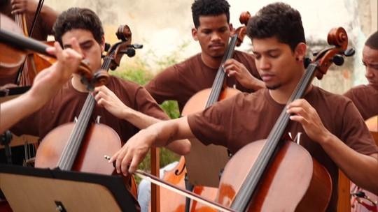 Conheça o projeto que leva música clássica para jovens de comunidades carentes