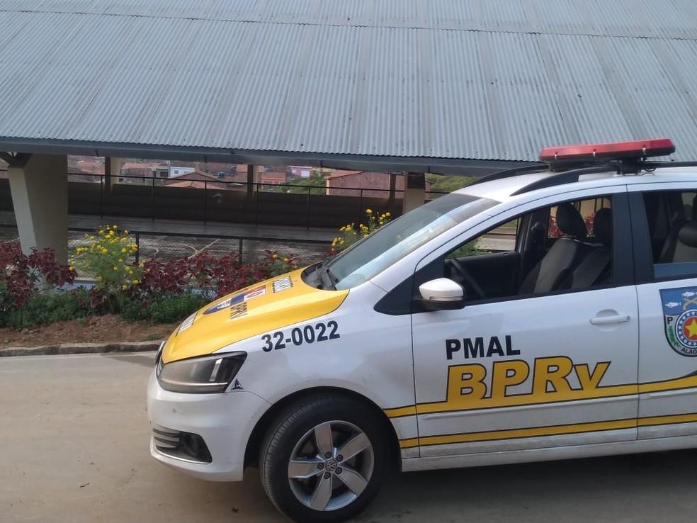 BPRv prende turista que dirigia embriagado e suspeito de agredir a companheira — Foto: Ascom/BPRv