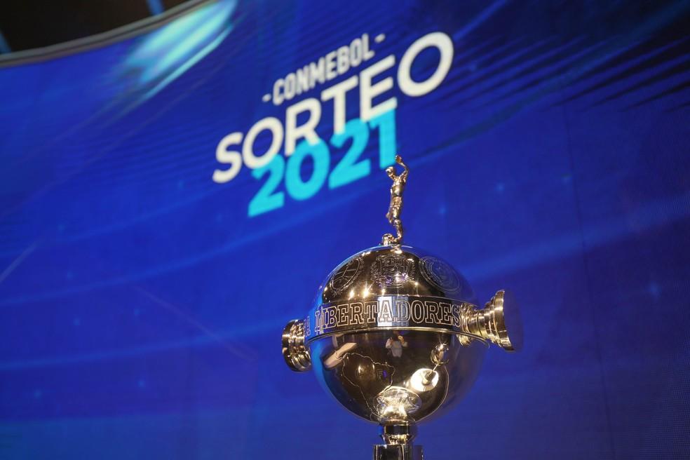 Troféu da Libertadores — Foto: Twitter/Conmebol