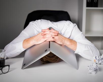 Além do burnout: por que o trabalho remoto deixou as pessoas mais grosseiras?