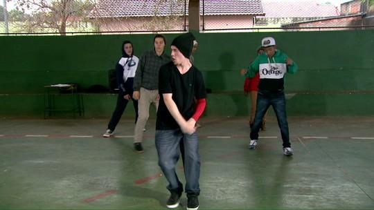 Aluno Nota 11: Aulas de Hip Hop fortalecem comunicação entre jovens