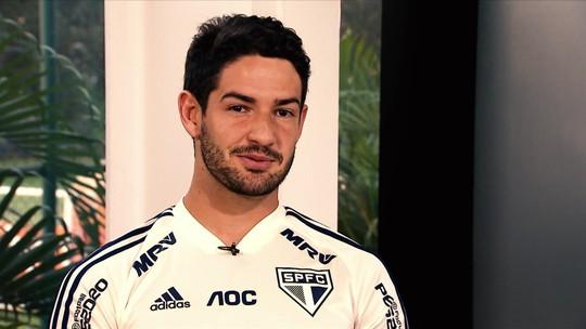 """Pato exalta Dani Alves e Juanfran, frisa amor ao São Paulo e fala sobre Balotelli: """"Vai gostar do Rio"""""""